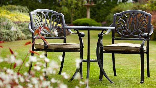 Картинки по запросу Какой должна быть садовая мебель?