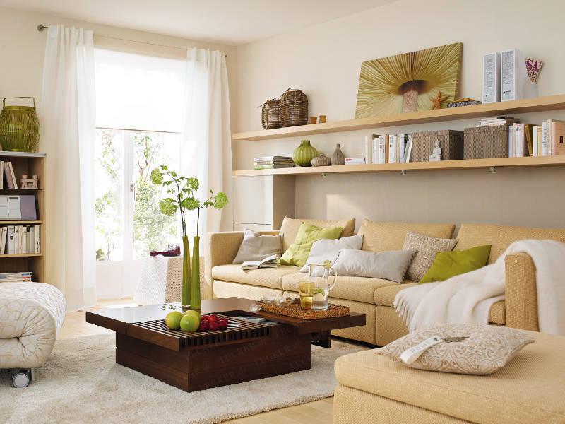 Как оформить полки в гостиной